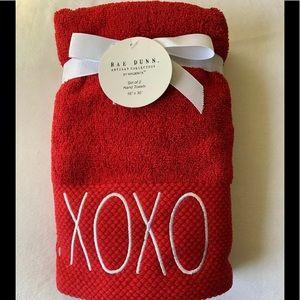 Rae Dunn XOXO Hand Towels